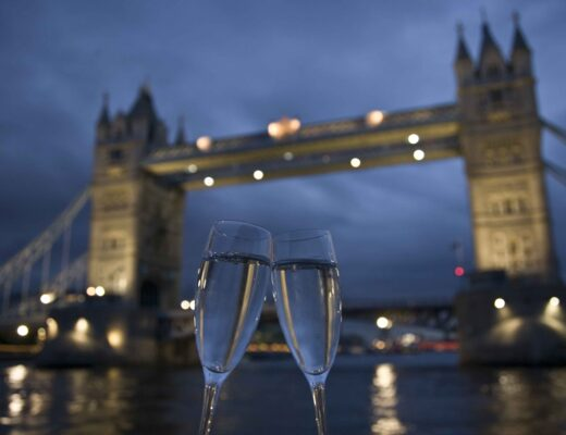Valentines's Day London Bridge Champagne