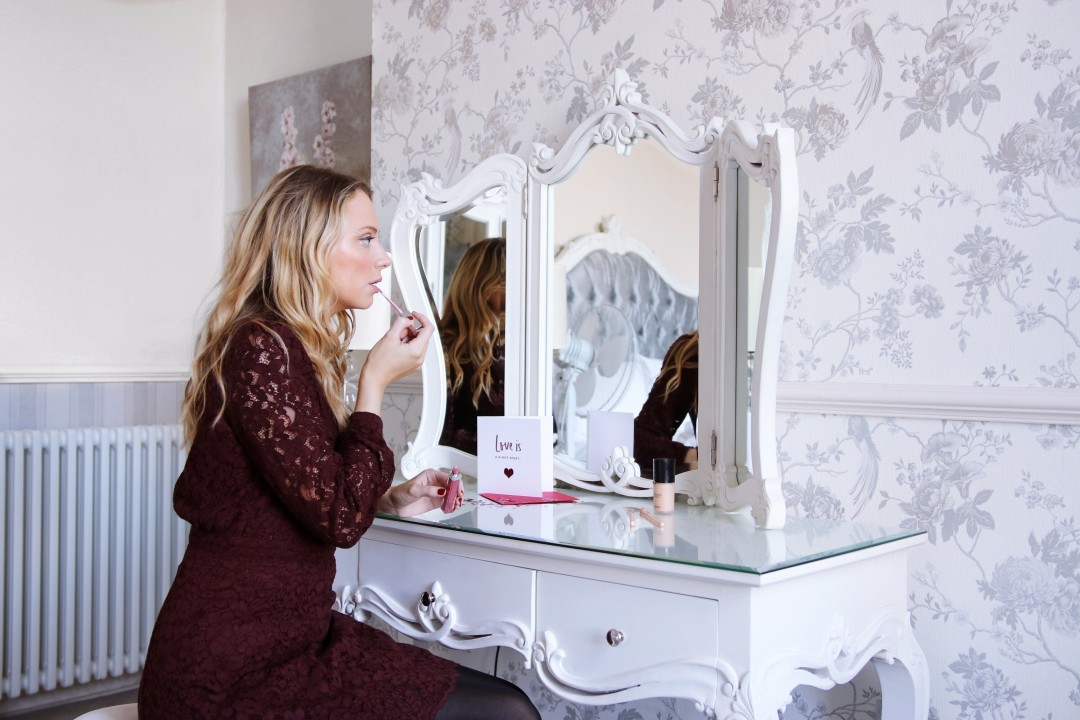 Paula Holmes UK Beauty Blogger