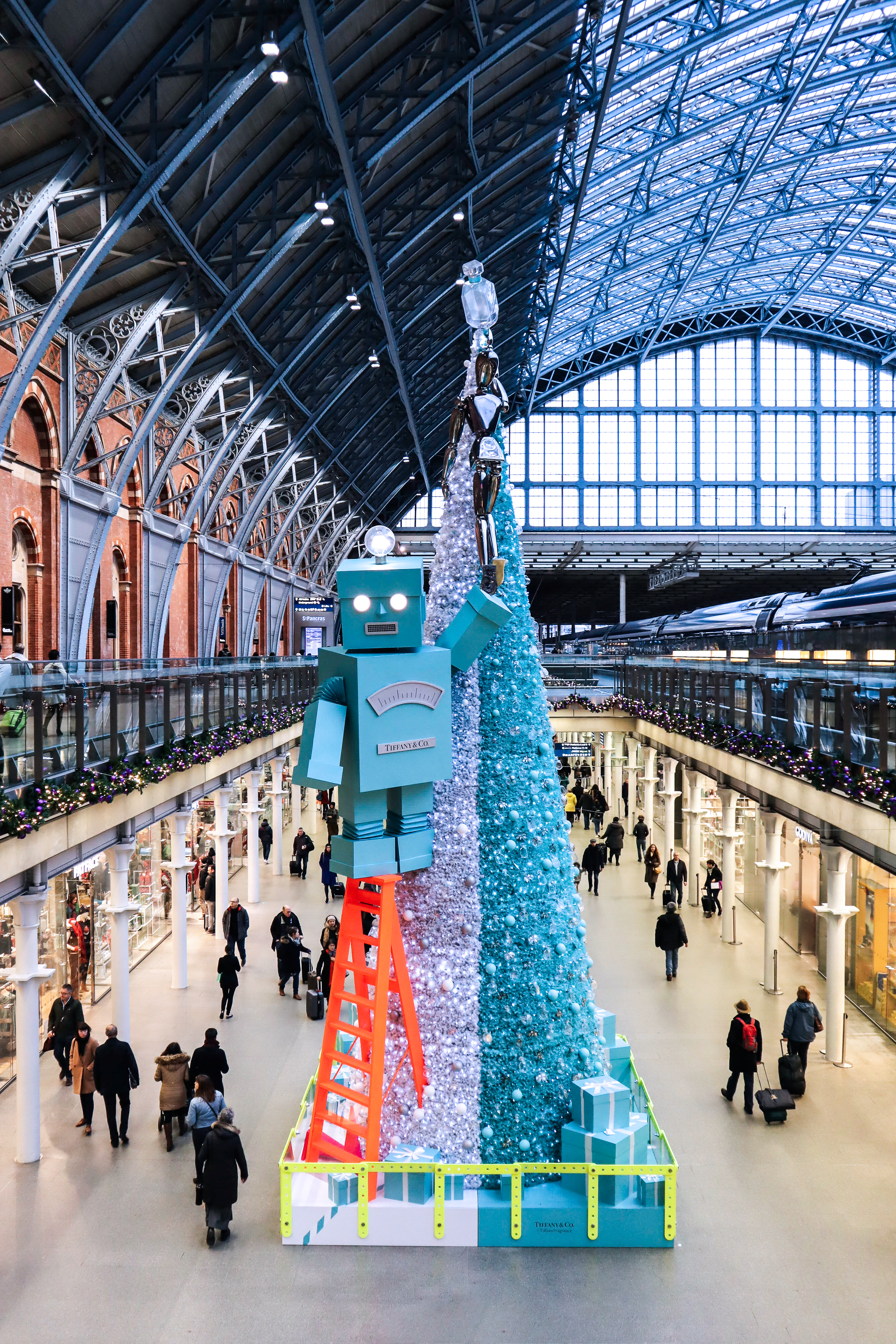 Tiffany & Co Christmas Tree St Pancras - The LDN Diaries